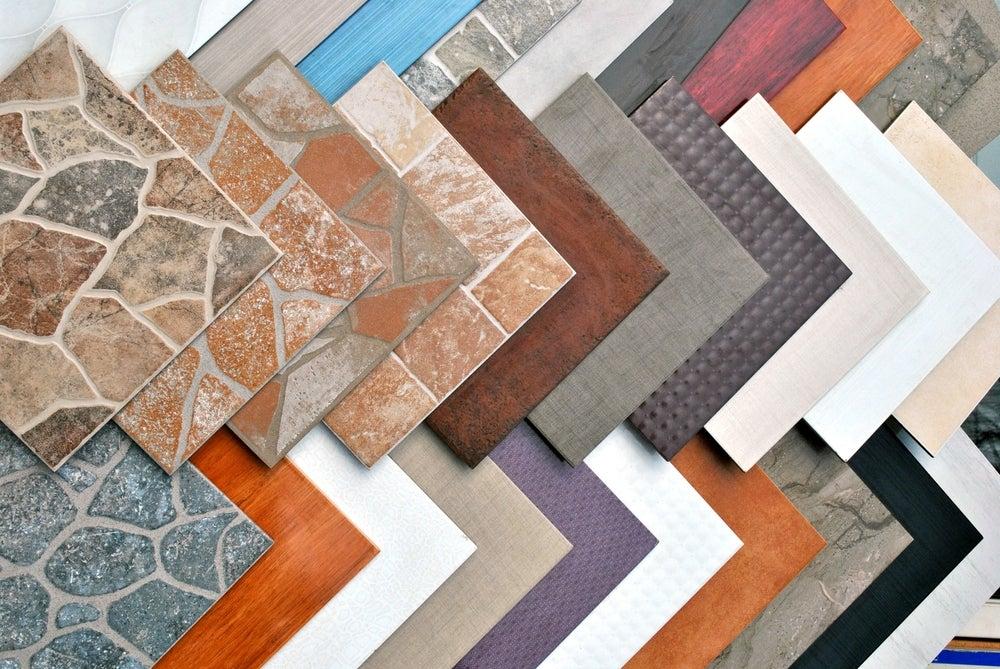 ¿Sabías que no todos los adhesivos son para pegar cualquier tipo de piso y azulejo?